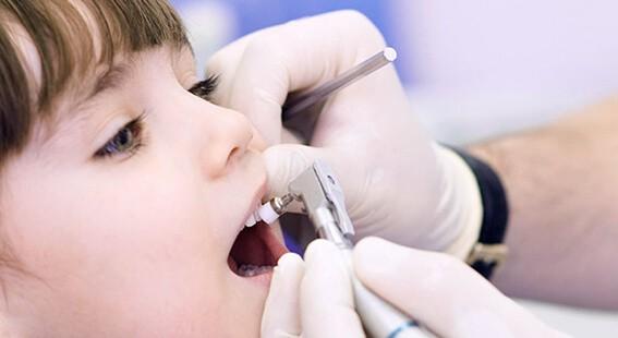 Предупреждение появления неприятного запаха изо рта и разрушения зубов.